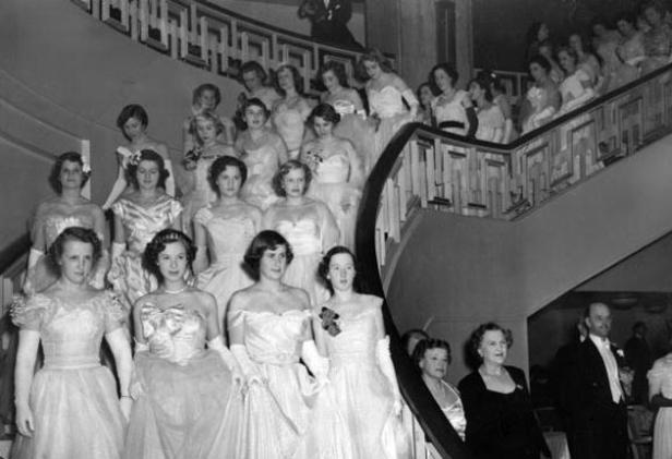 Image from http://www.persunca.com/blog/origin-debutante-ball-country/