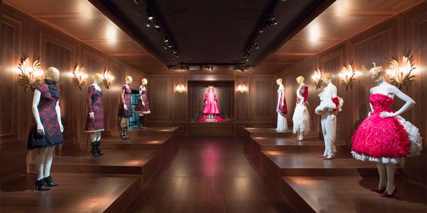 Alexander McQueen: Savage Beauty exhibit, Image from www.vam.ac.uk