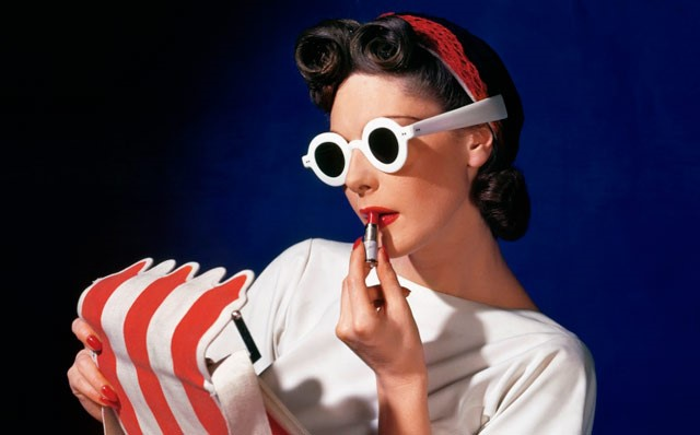 Horst: Photographer of Style exhibit, McCord Museum, Image from www.musee-mccord.gc.ca